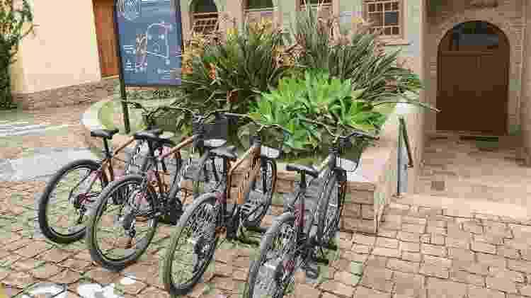 Bike tours, como o da Casa Perini, propõe conhecimento sobre vinhos em um ambiente protegido da covid - Reprodução/Instagram - Reprodução/Instagram