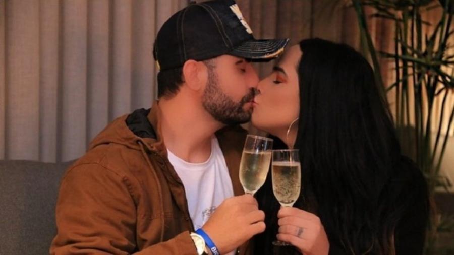 Perlla anunciou o fim do breve namoro com o cantor Diogo Bottino - Reprodução/Instagram