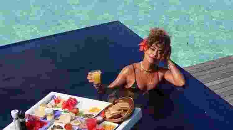 Juliana Paes exibe café da manhã de hotel luxuoso nas Maldivas - Imagem: Reprodução/Instagram - Imagem: Reprodução/Instagram