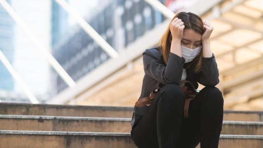 Nossa saúde mental tem sido colocada à prova pela pandemia de covid-19 - Getty Images / BBC News Brasil