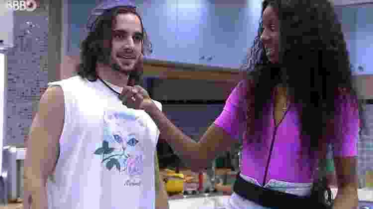 Camilla pergunta se Fiuk já foi interessado em Juliette - Reprodução/ Globoplay - Reprodução/ Globoplay