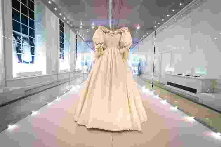 Vestido de noiva de Diana Spencer - Reprodução - Reprodução
