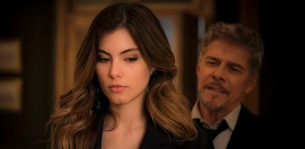 """Tião (José Mayer) contrata Camila (Bruna Hamú) como garota de programa em """"A Lei do Amor"""" - Reprodução/GShow"""