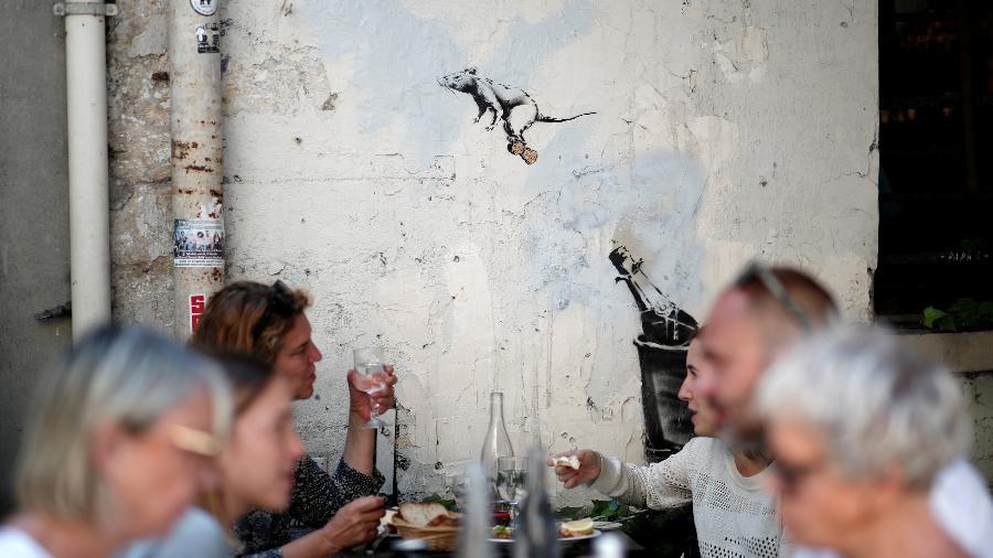 Obra de Banksy em Paris, na França - REUTERS/Benoit Tessier
