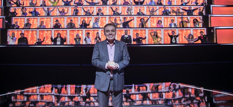 """Gugu em gravação do programa """"Canta Comigo"""" nos estúdios da Vera Cruz, em São Paulo - Edu Moraes/Record"""