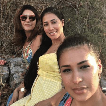 Simone e Simaria com a mãe, Mara - Reprodução/Instagram