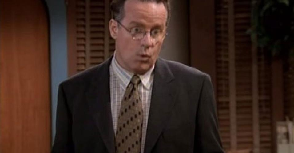 "Phil Hartman no seriado ""NewsRadio"" (1995)"
