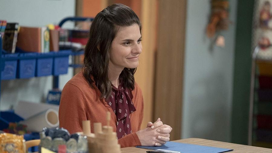 """A atriz Lindsey Kraft em cena de """"The Conners"""" - Divulgação"""