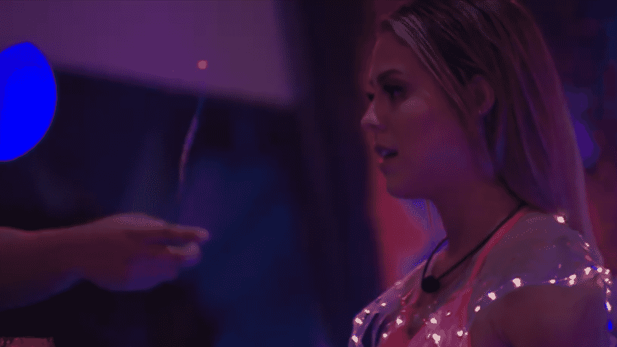 Isabella reclama do comportamento de Maycon - Reprodução/GloboPlay