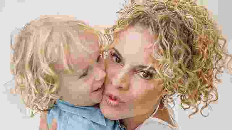 Maíra Charken e o filho Gael - Sirleide Teixeira/Divulgação