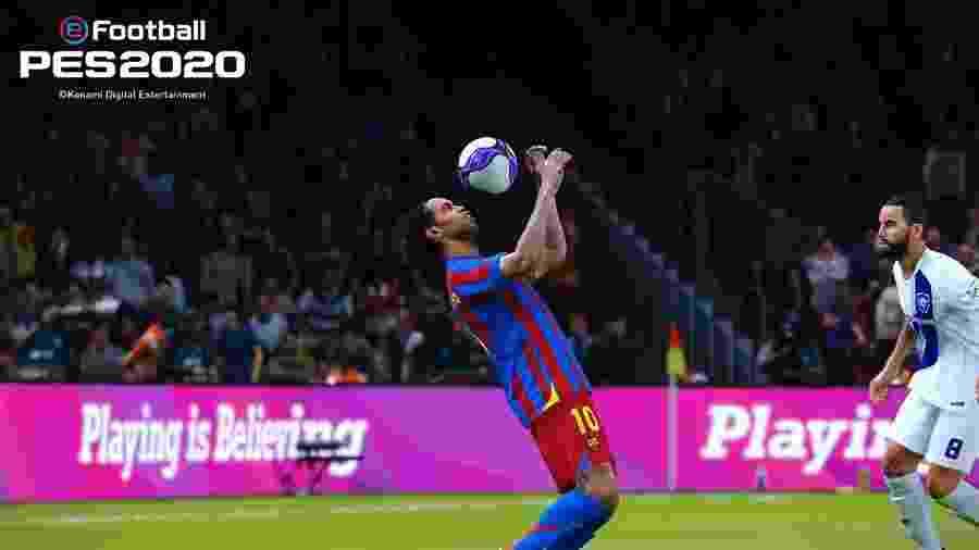 Ronaldinho é um dos jogadores lendários de PES 2020 - Divulgação
