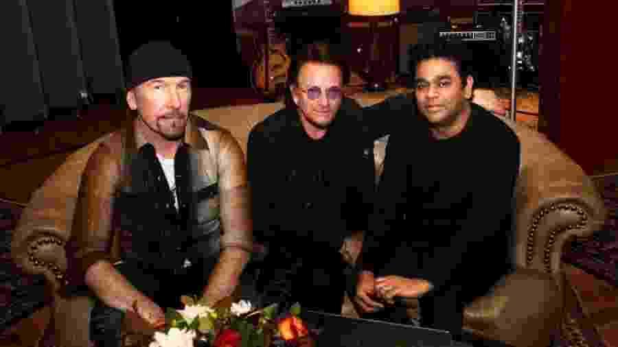The Edge, Bono Voz e A.R. Rahman - Reprodução/Twitter