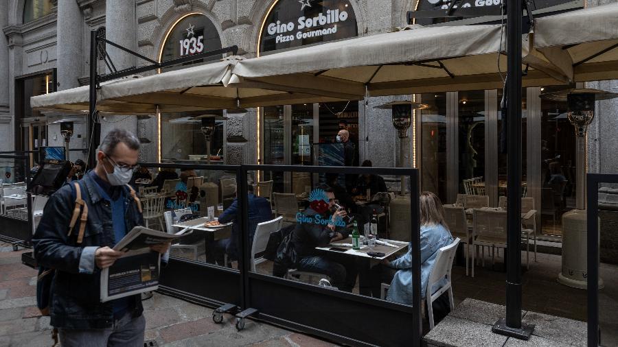 Com exceção da Sicília, Sardenha e Vale de Aosta, todas as demais 17 estão na fase amarela, que permite a reabertura de restaurantes, museus, cinemas e libera a circulação dos italianos entre cidades - Emanuele Cremaschi/Getty Images