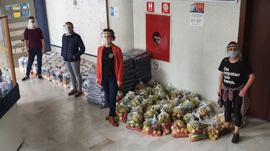 Professores entregam cestas para migrantes e refugiados em Curitiba - Divulgação