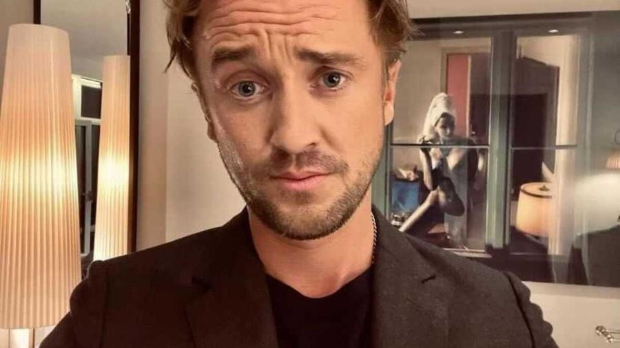 Tom Felton em selfie publicada no Instagram - Reprodução