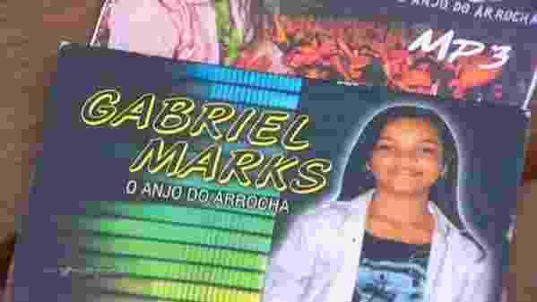 """17.jan.2016 - Gabriel Marks, também conhecido como o """"Anjo do Arroja"""", em Manaus, se apresentou no programa, mas não foi aprovado pelos jurados, Ivete Sangalo, Victor e Léo, e Carlinhos Brown - Reprodução/TV Globo"""