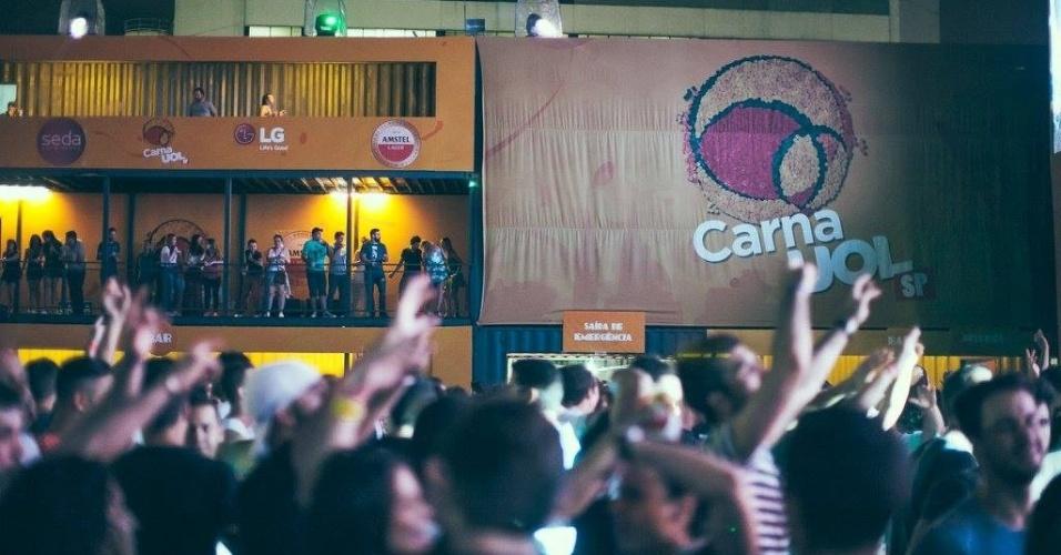 Público se diverte no CarnaUOL (23/01/2016)