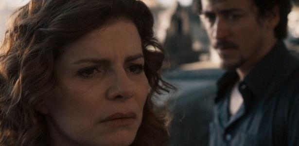 """Elisa fica abalada durante conversa com Vicente no cemitério - Reprodução/""""Justiça""""/GShow"""