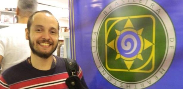 """Luciano Urbani, professor de biologia, é gamer desde criança e adora """"Hearthstone"""", """"Overwatch"""" e """"League of Legends"""" - Acervo Pessoal"""