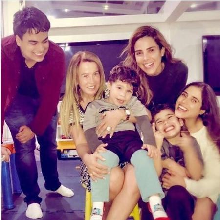 Zilu com os filhos e netos - Reprodução / Instagram