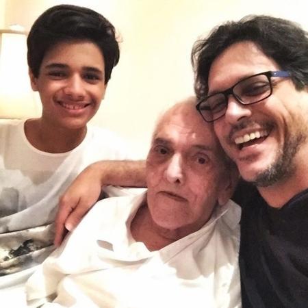 Filho presta homenagem de aniversário ao pai, Lúcio Mauro - Reprodução/Instagram