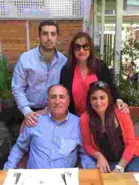 Kaysar com os pais George Dadour e Diane Dadour e a irmã, Celine Dadour - Reprodução/Facebook - Reprodução/Facebook