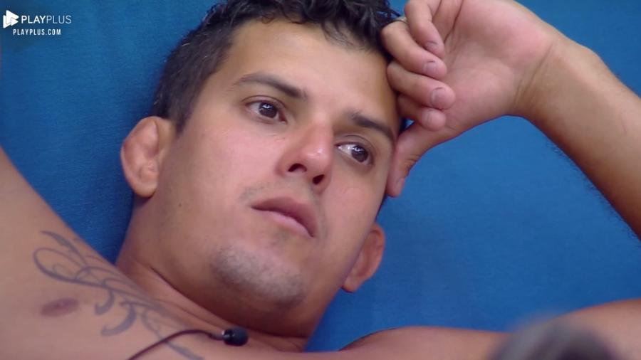 """Felipe Sertanejo durante confinamento em """"A Fazenda 10"""" - Reprodução/PlayPlus"""
