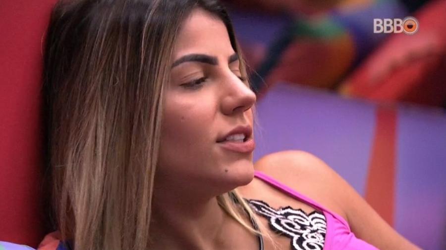 Hariany conversa com Paula no quarto Diamante - Reprodução/Globoplay