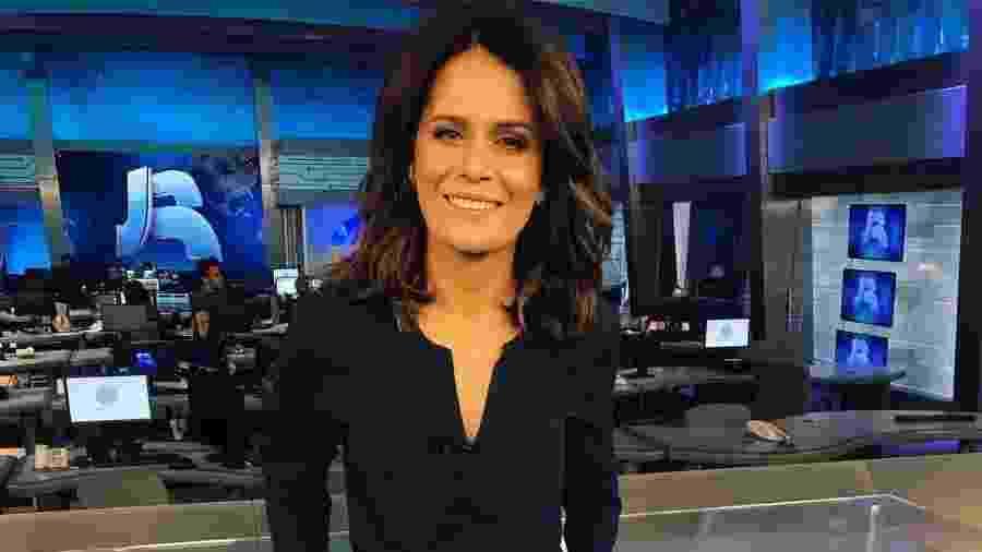 """Adriana Araújo agora vai comandar o """"Repórter Record Investigação"""" - Instagram"""
