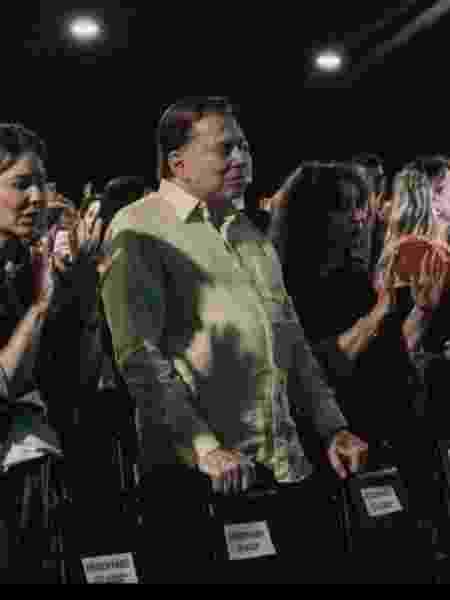 Judeu, Silvio Santos vai à igreja evangélica - Reprodução