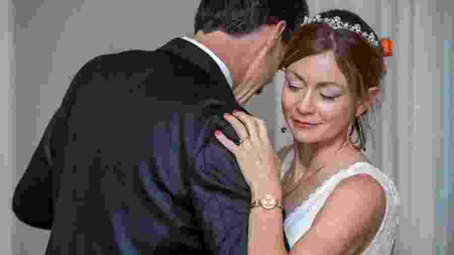 Amanda McCracken dançando com o marido, Dave, no dia do casamento - Zack Weinstein Photography
