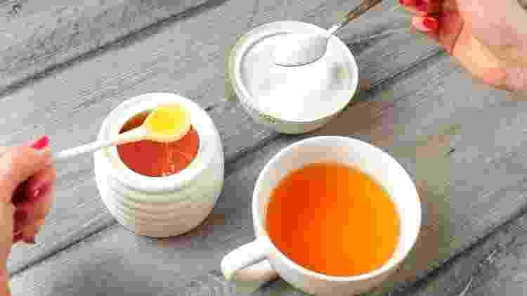 Açúcar e mel são usados para adoçar as receitas - iStock - iStock
