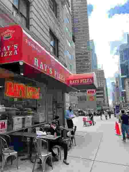 Ray's pizza - Carolina Camargo - Carolina Camargo