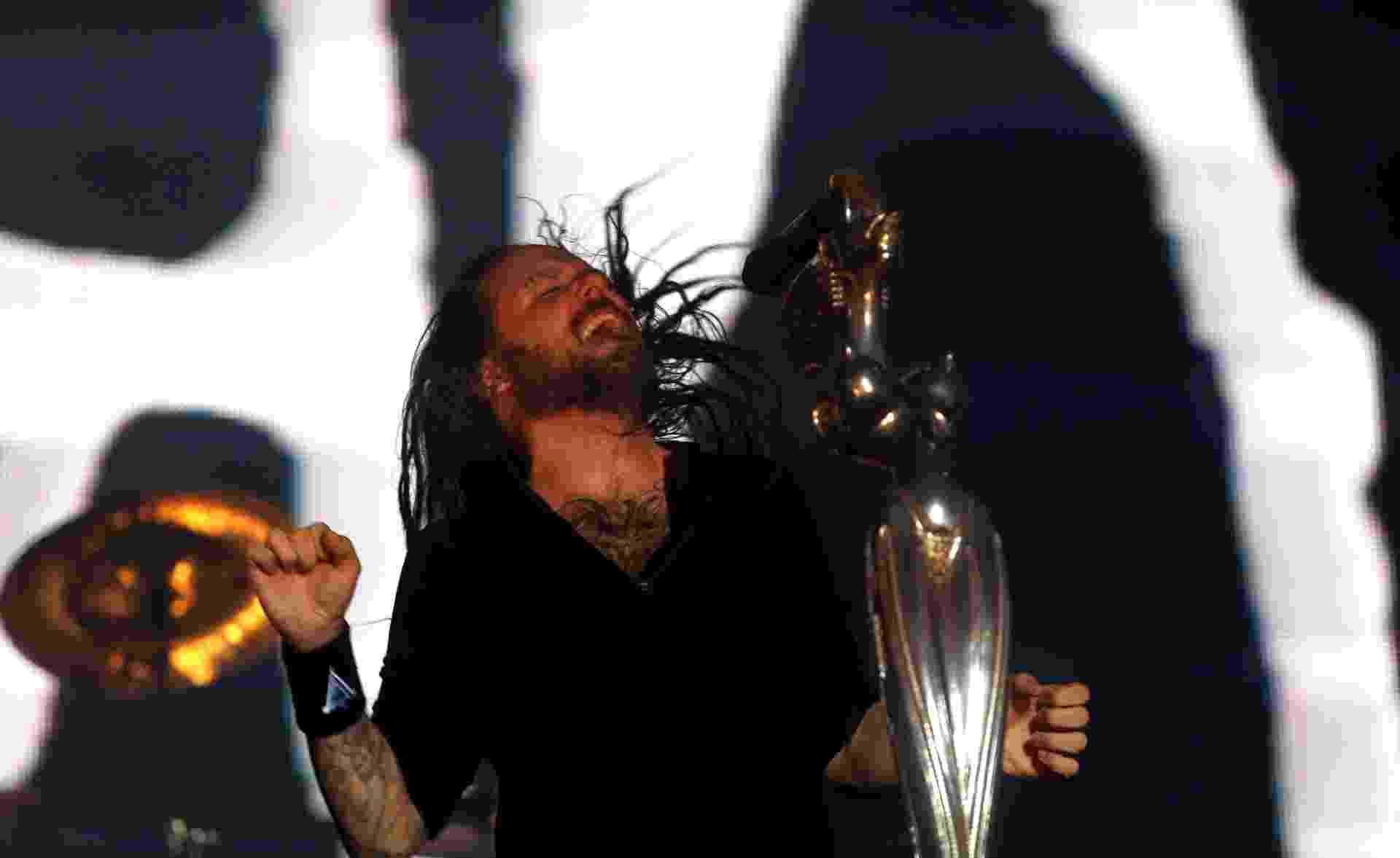 19.set.2015 - O vocalista do Korn Jonathan Davis se apresenta no palco Sunset no segundo dia do Rock in Rio 2015 - J. F. Diorio/Agência Estado