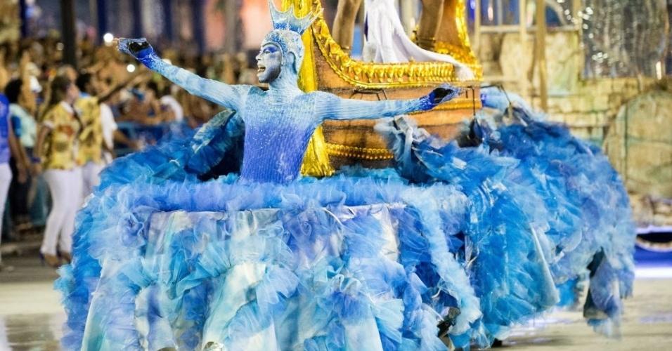"""13.fev.2016 - - Portela trouxe o enredo """"No Voo da Águia, uma Viagem Sem Fim"""""""