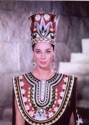 """A atriz Rita Gam em cena como Heródias no filme """"O Rei dos Reis"""" (1961) - Divulgação"""