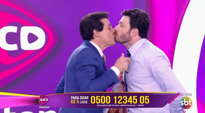 5.nov.2016 - Danilo Gentili e Celso Portiolli