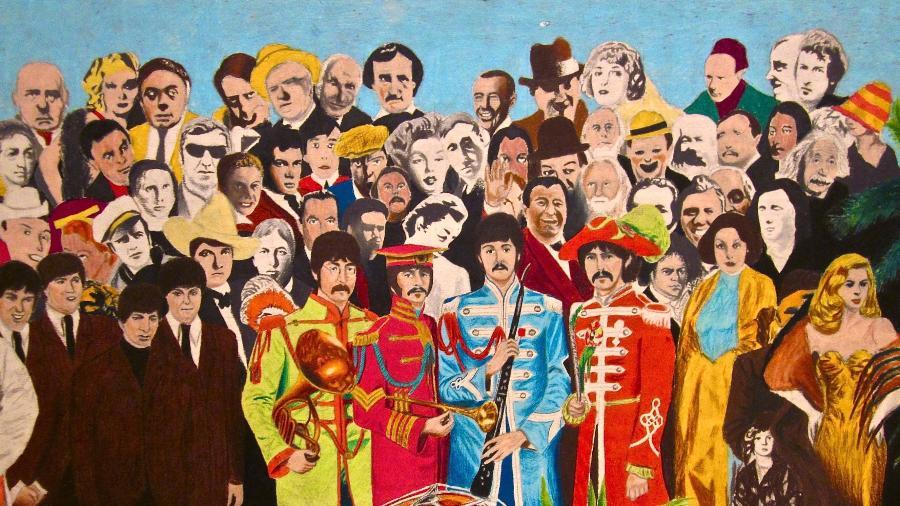 """Capa de """"Sgt. Pepper""""s Lonely Hearts Club Band"""" - Reprodução"""