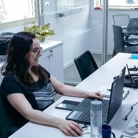 Consultora de TI, Laura Vizioli foi diagnosticada com autismo aos 15 anos - Arquivo pessoal