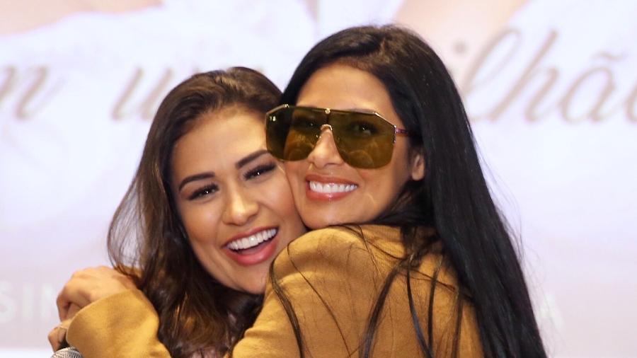 As irmãs Simone & Simaria posam para fotos durante coletiva de imprensa em São Paulo - Manuela Scarpa/Brazil News