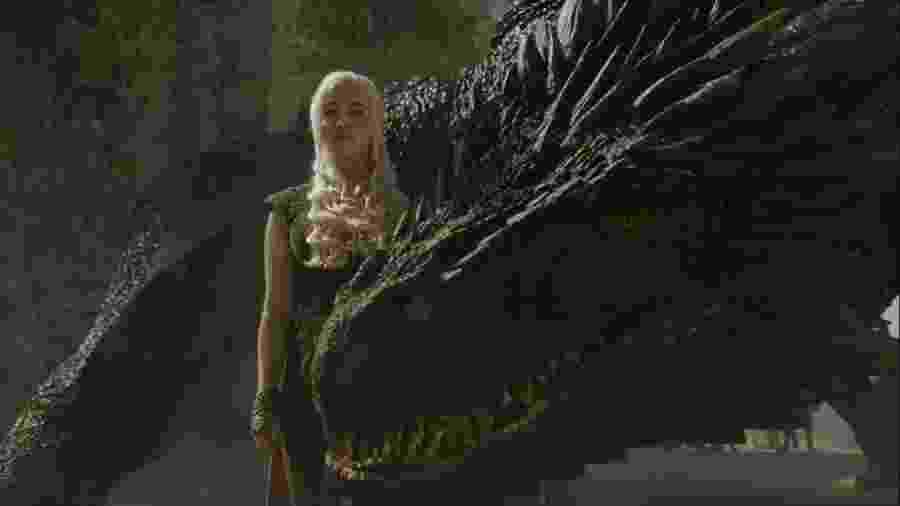 """Daenerys Targaryen e seu dragão em """"Game of Thrones"""" - Divulgação"""