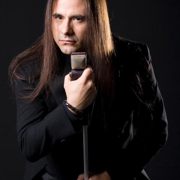 André Matos, das bandas Viper, Angra e Shaman, que morreu aos 47 no passado
