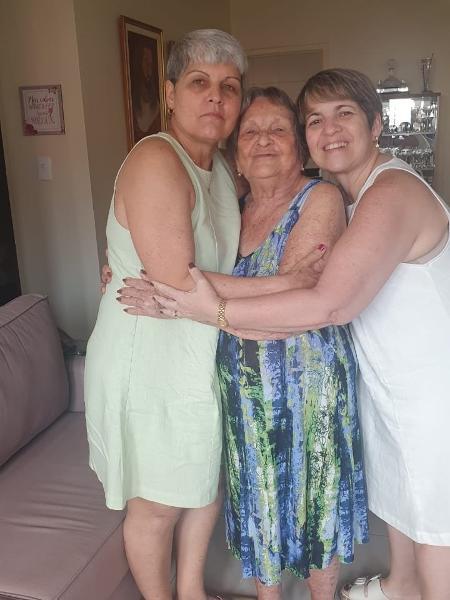 Lúcia (esquerda), dona Zefinha (meio) e Leilane (direita) - Arquivo pessoal