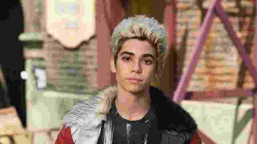 """14.ago.2015 - Cameron Boyce interpreta Carlos, filho da malvada Cruela, em """"Descendentes"""" - Divulgação/Disney Channel"""