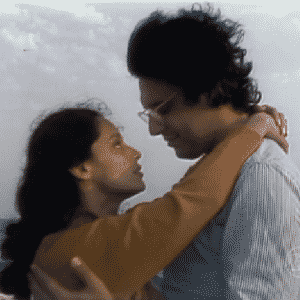 """2.out.2015 - O ator fez o seu primeiro trabalho em uma peça de teatro aos 14 anos de idade. Na Globo desde 1974, Fagundes já atuou em quase 40 projetos na emissora, entre novelas, séries e minisséries. Participou de novelas históricas como """"Saramandaia"""", """"Dancin'Days"""", """"A Rainha da Sucata"""", """"O Rei do Gado"""" e """"Terra Nostra"""", além da tradicional série """"Carga Pesada"""" - Reprodução/TV Globo"""