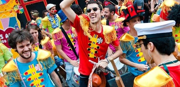 Inspirado nos Beatles, bloco carioca Sargento Pimenta foi impedido de desfilar na avenida Santos Dumont, em SP