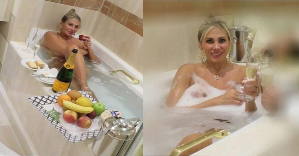 1.fev.2016 - Coberta de espuma e com direito até a taça de champanhe, Ângela Bismarchi usou seu perfil no Instgram na noite desta segunda-feira para postar duas fotos em que aparece completamente nua.