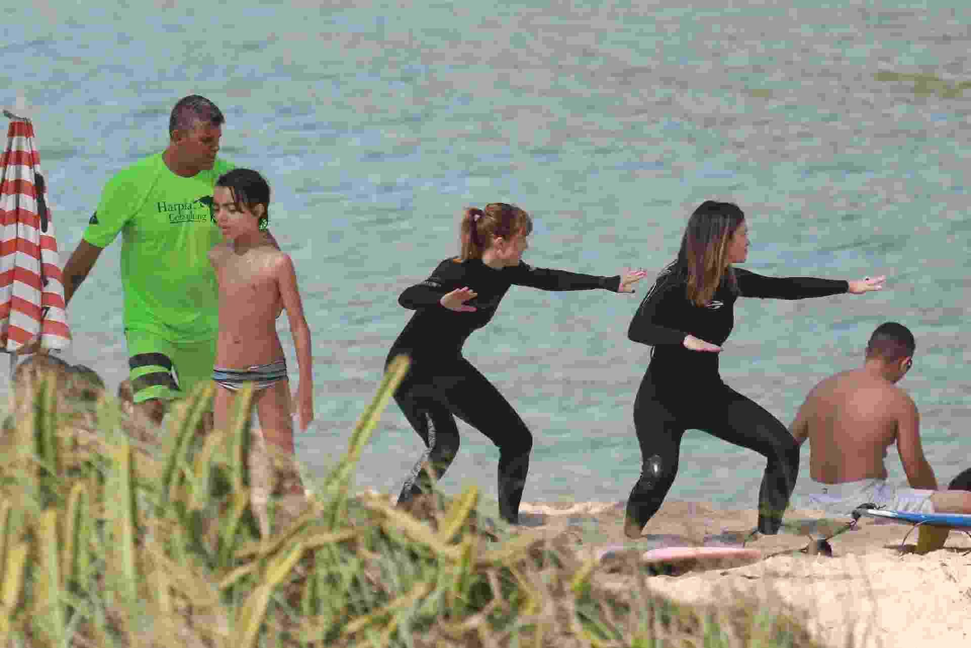 Mariana Ximenes faz aula de surfe no Rio de Janeiro - Dilson Silva/AgNews