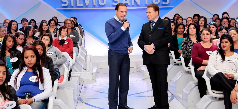 Silvio Santos conversa com o prefeito de São Paulo João Doria em seu programa no SBT - Lourival Ribeiro/SBT
