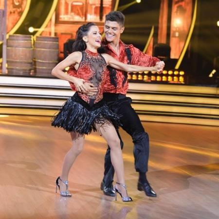 """Maytê Piragibe e Paulo Victor ganharam os R$ 500 mil do prêmio da primeira temporada do """"Dancing Brasil"""" - Divulgação Record"""
